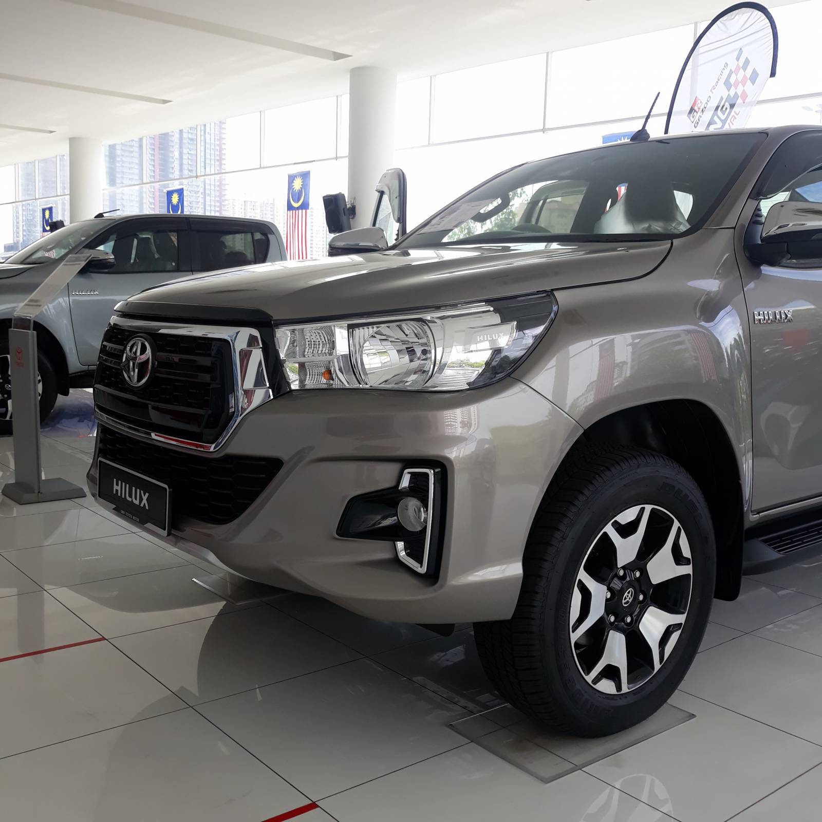 2020 Toyota Hilux Double Cab 2.4 L-EDITION (AT) 4X4